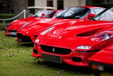 Частная коллекция роскошных автомобилей Ferrari для бизнеса на прокат